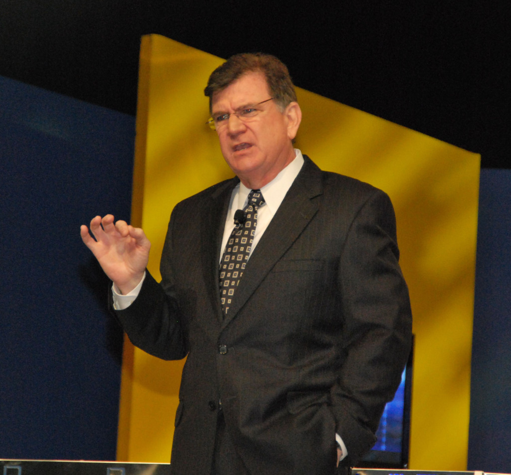 Team Building Speaker Mike Hourigan holds a motivational keynote speech on Team Building